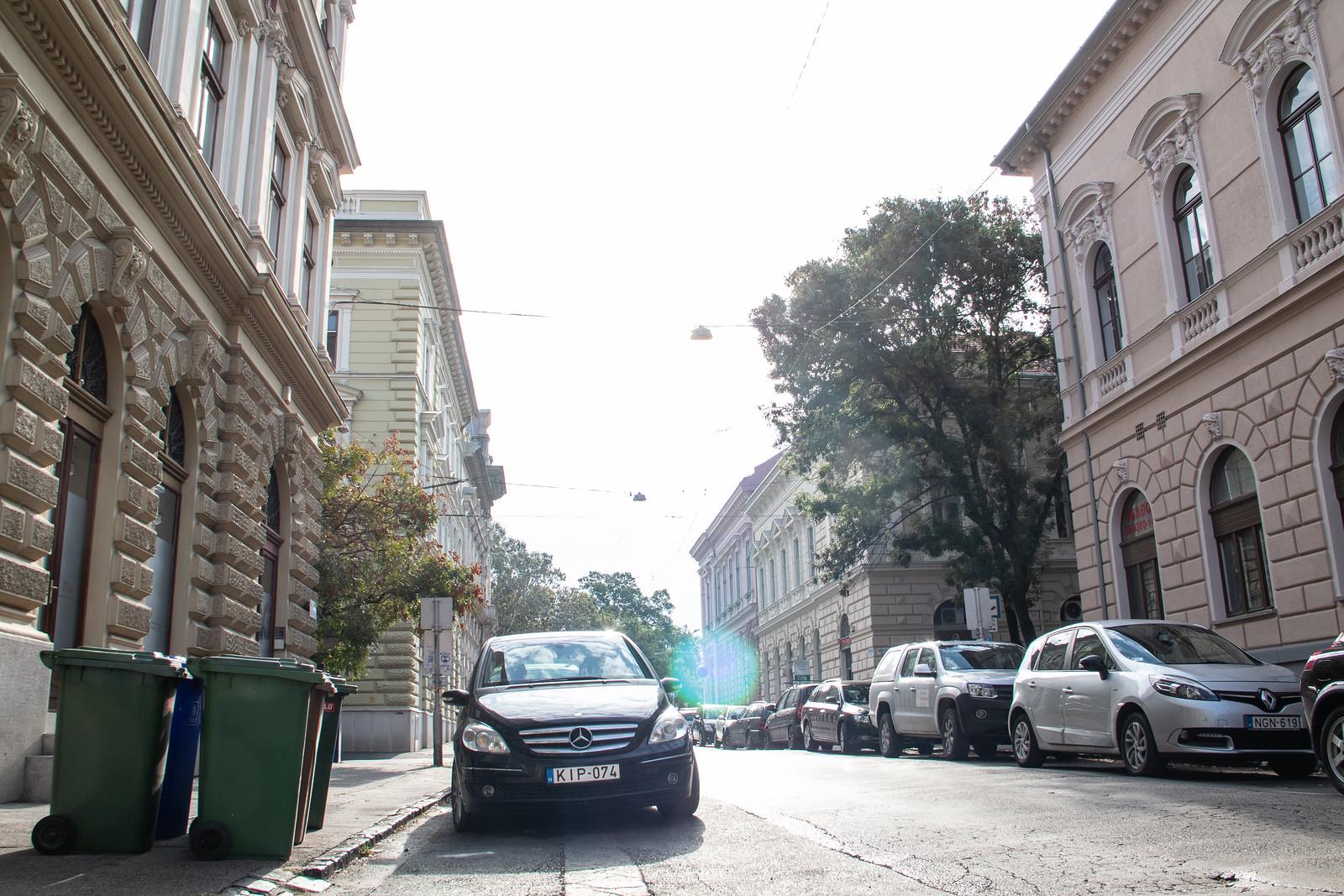 Az ingyenes parkolás miatt megugrott a forgalom Szegeden