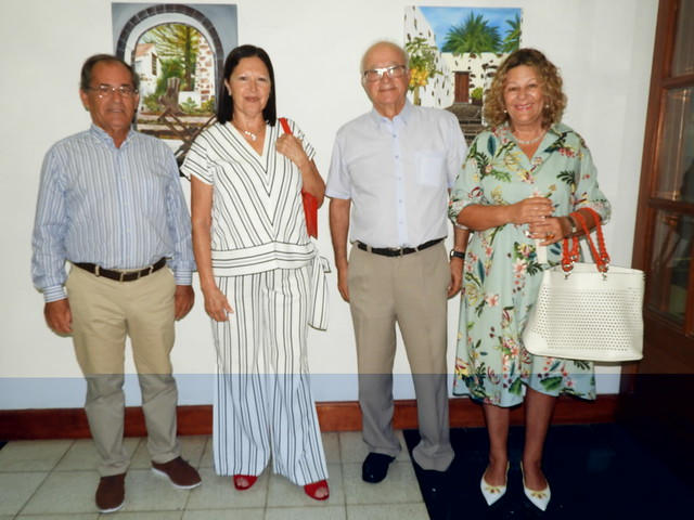 Exposición de la pintora, Nieves Santana Martín  en la Sociedad Democracia.