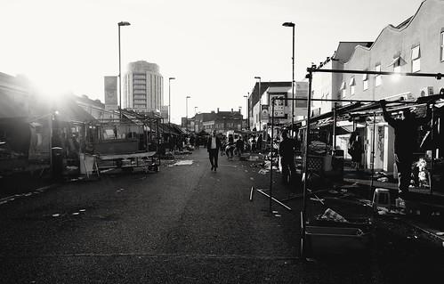 ridleyroad ridleyroadmarket eastlondon hackney market street streetstories streetlife streetphotography londonstreet london londonlife urban sunset ricohgrii ricohgr londonist dalston blackandwhite monochrome
