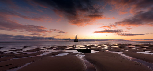 rattrayhead lighthouse aberdeenshire scotland sunrise sunset landscape longexposure panorama pano red sky beach sand water canon canon5d eos