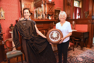 Tue, 10/01/2019 - 16:32 - Photo of Rozenn Bailleul-LeSeur and Sue Savard showing artifacts to be displayed at the Morgan-Manning House
