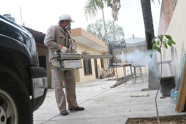 Campaña de Fumigación contra el Dengue