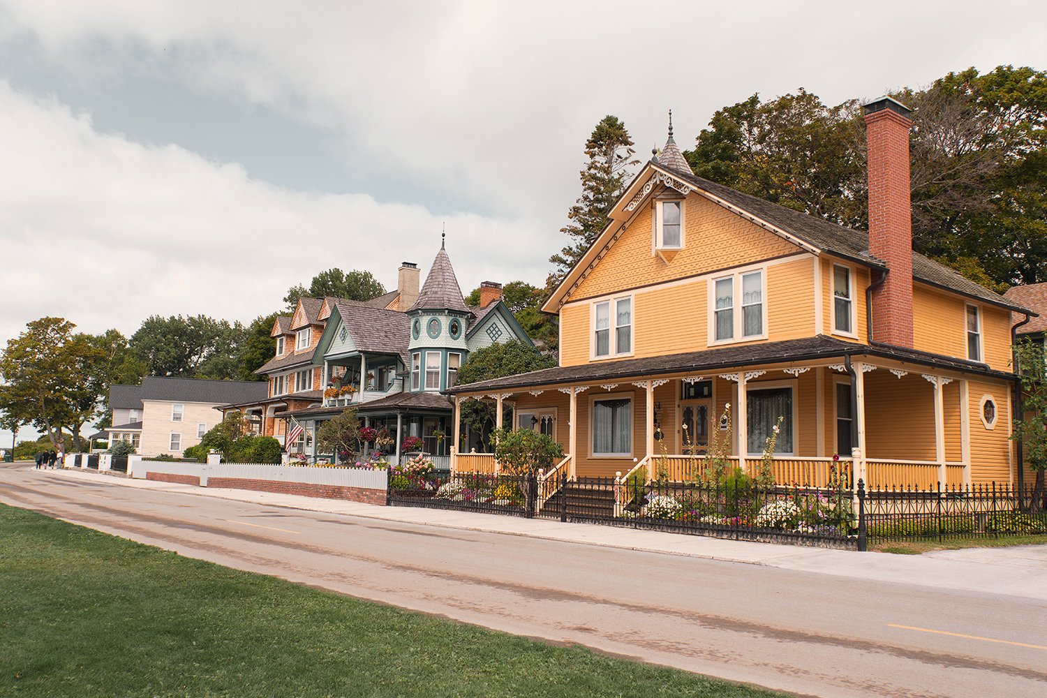 11mackinacisland-michigan-victorian-architecture-travel