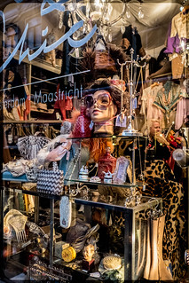 FleaMarket-Window