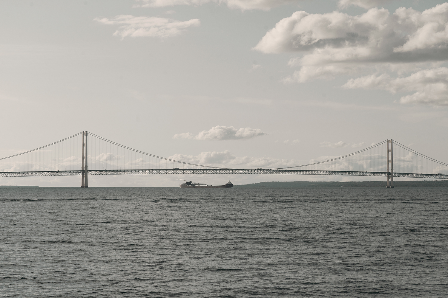 23mackinacisland-mackinacbridge-michigan-lakehuron-landscape-travel