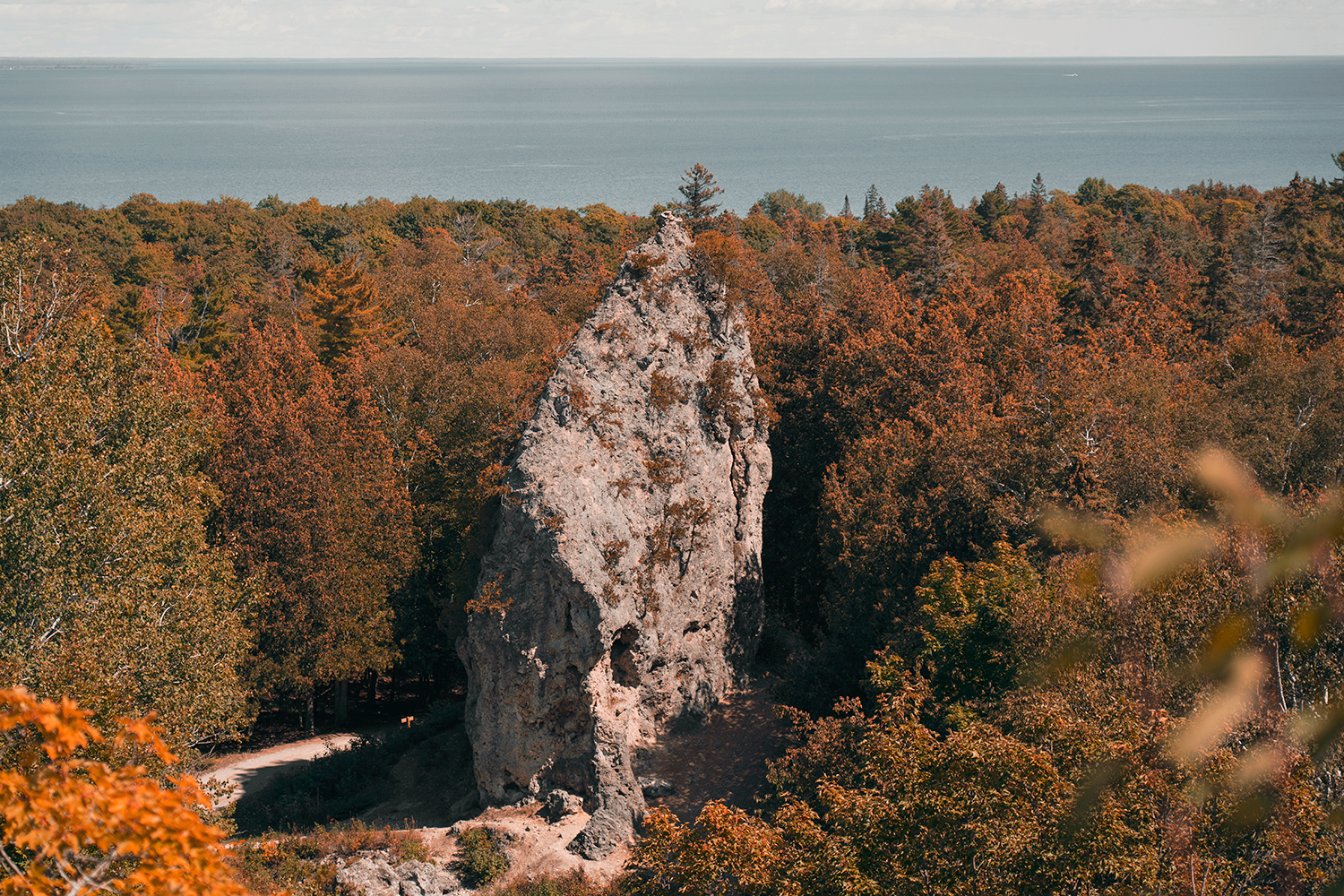 12mackinacisland-michigan-sugarloaf-rock-travel
