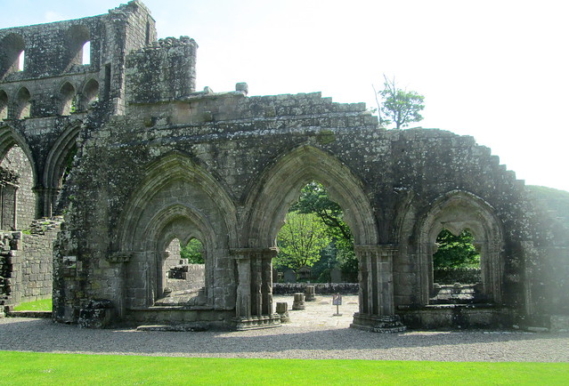 Dundrennan Abbey, Arches