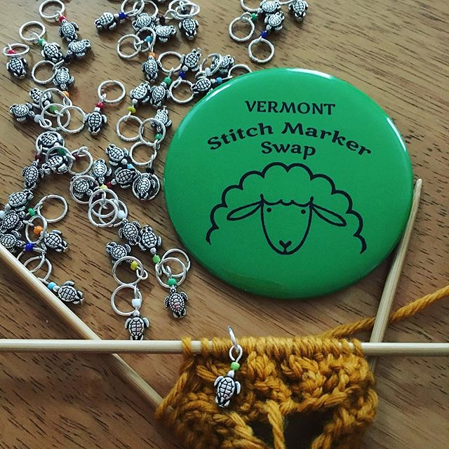 All the 🐢 stitch markers done. I'll be wearing this pin at #vtsheepandwoolfest tomorrow. Swap with me! I'll be at the Green Mountain Knitting Guild booth (across from Festival merch) from 3-5 pm.