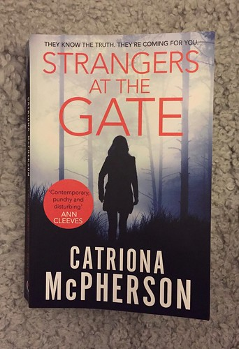 Catriona McPherson, Strangers at the Gate