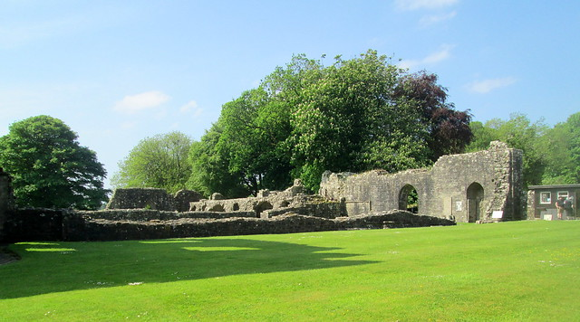 Dundrennan Abbey, Walls