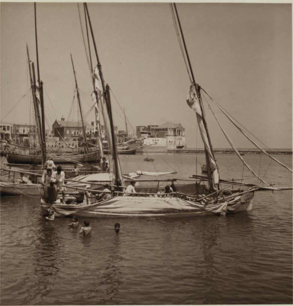 28. 7 июля. Тир. Разгрузка дынь с парусной лодки