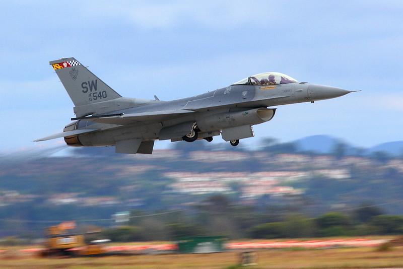 IMG_4626 F-16 Fighting Falcon