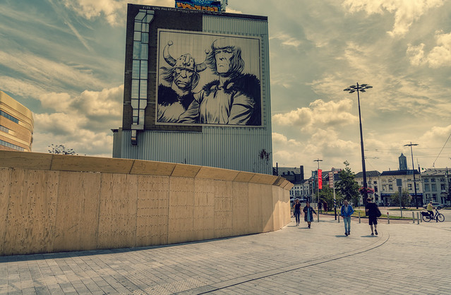 Big drawing of Eric de Noorman on a building in Arnhem, The Netherlands.