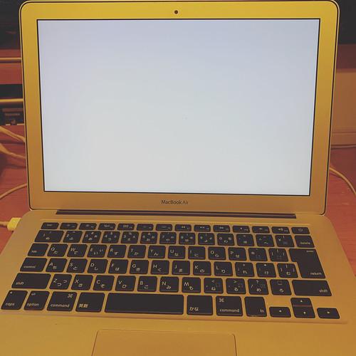 2011年製MacBook Air(MC965J/A)、ついに力尽きる