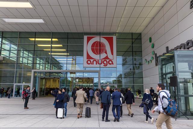 Eingang der Lebensmittelmesse anuga in Köln