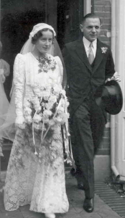 Wesselingh family archives: wedding photo Jan and Mieke Wesselingh, Rijswijk, The Netherlands, 1936