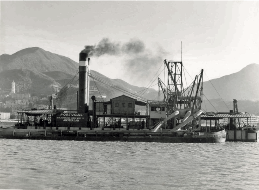 Wesselingh family archive: dredger