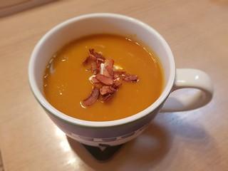La Zuppa Pumpkin Soup (with coconut bacon)