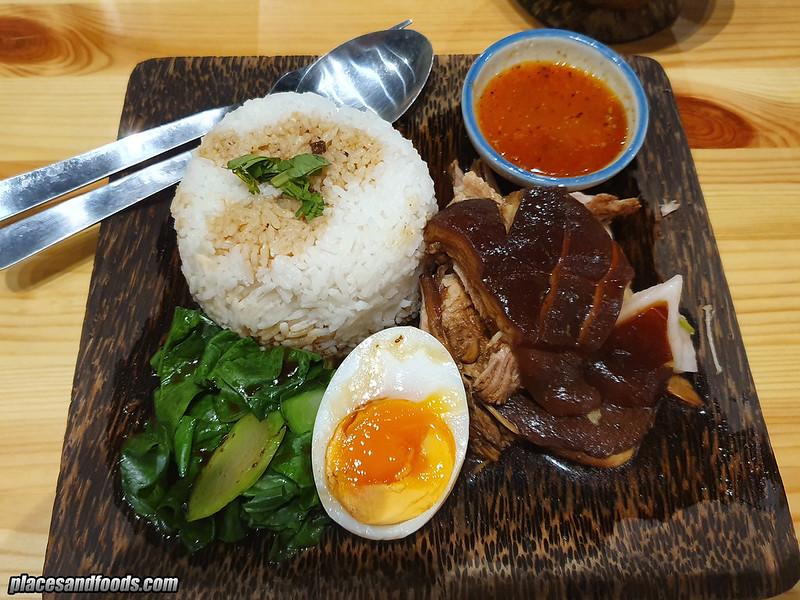 thai tae braised pork