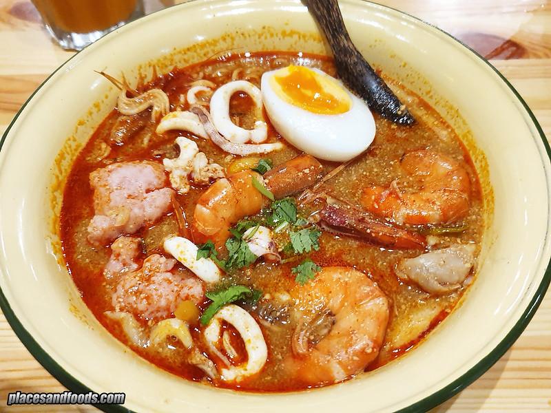 thai tae tom yum noodles