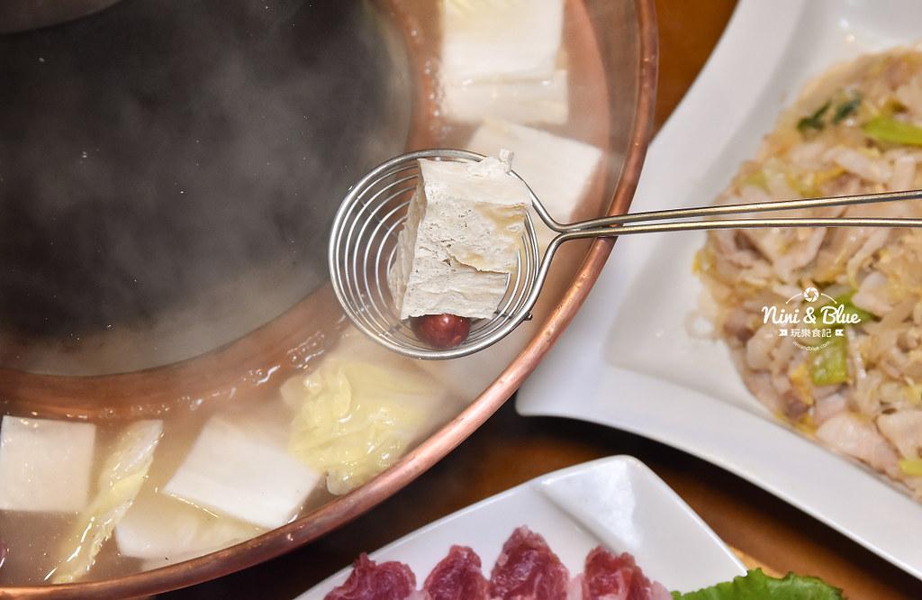 徠圍爐北方風味館 酸菜白肉鍋 菜單15