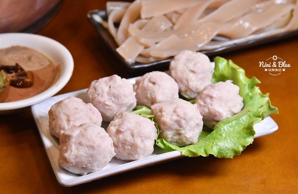 徠圍爐北方風味館 酸菜白肉鍋 菜單01