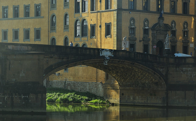 Sous le pont de Santa trinita