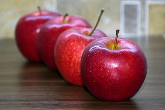 Apples in queue