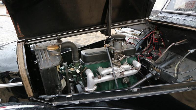 """Automobiles Berliet Dauphine """" La dernière berline de Marius Berliet """"  48851776983_6b529c7929_c"""