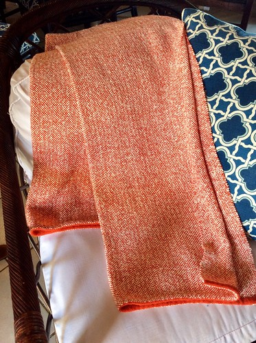 Handwoven throw in wool and rayon chain yarns by irieknit
