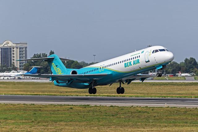 Bek Air Fokker-28