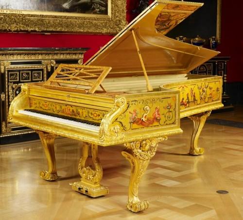 白金漢宮Grand Piano