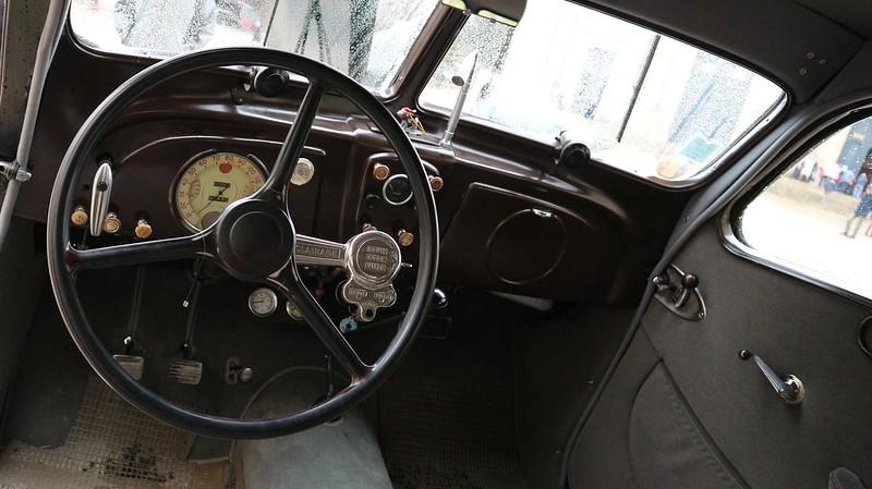 """Automobiles Berliet Dauphine """" La dernière berline de Marius Berliet """"  48852318472_6644eb043b_c"""