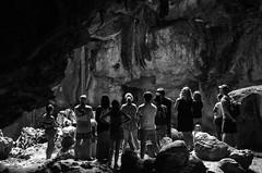 Groupe dans la grotte