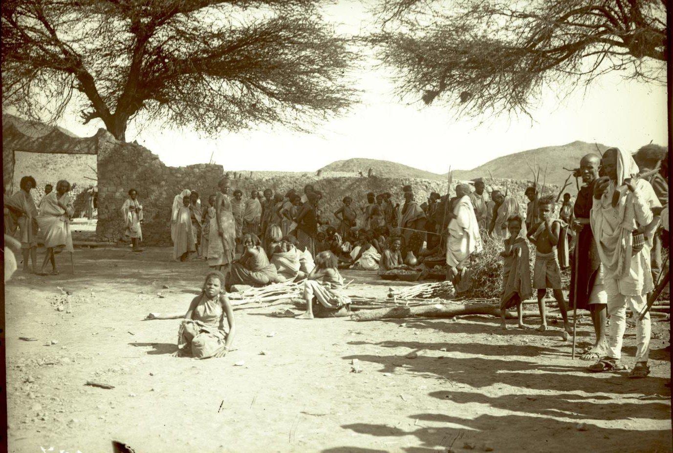 187. 1899. Абиссиния. Гильдесса. Уголок на базаре
