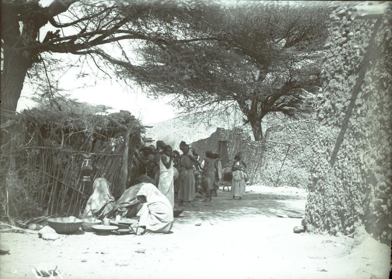 184. 1899. Абиссиния. Гильдесса. Уголок на базаре