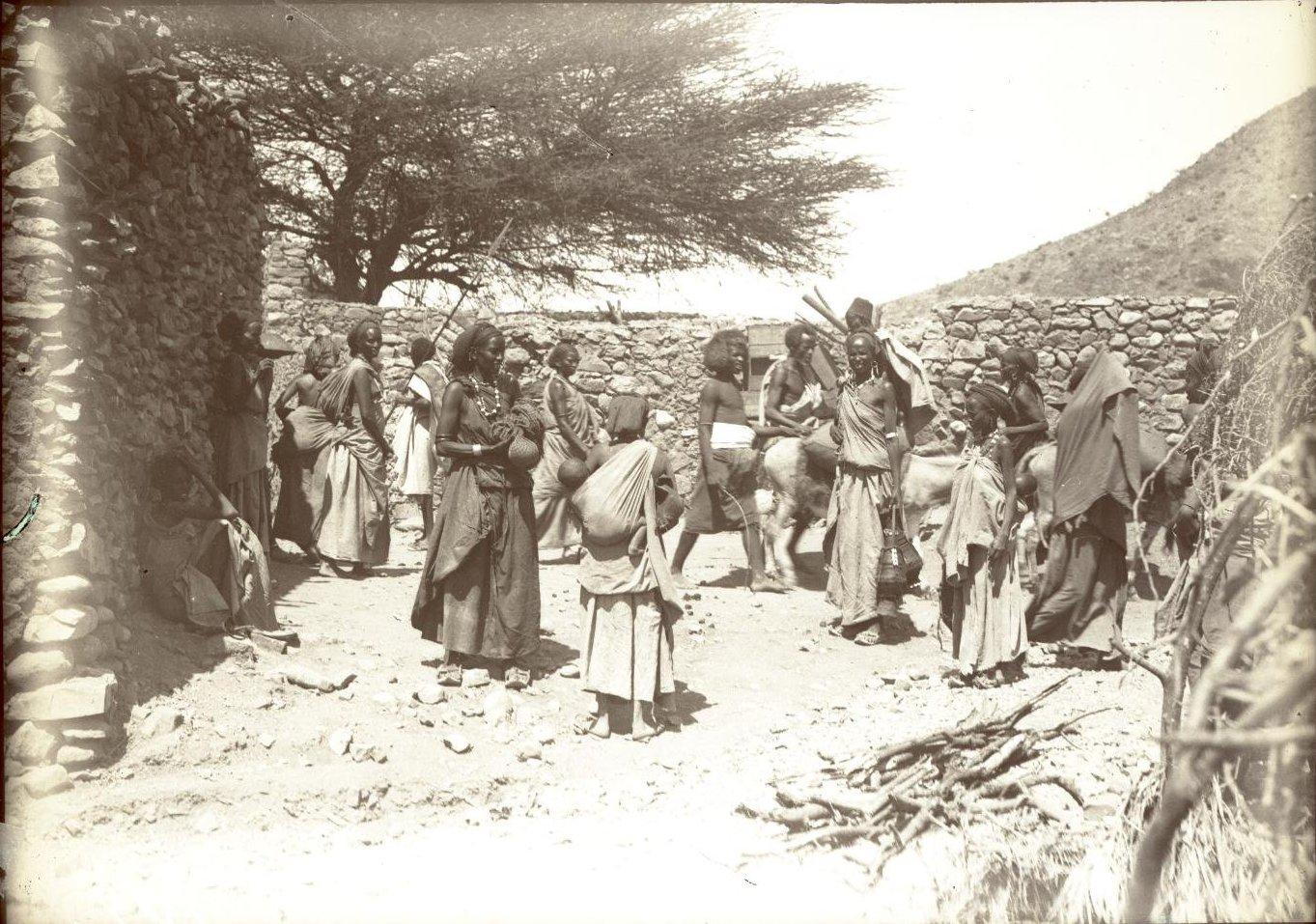 182. 1899. Абиссиния. Гильдесса. Уголок на базаре