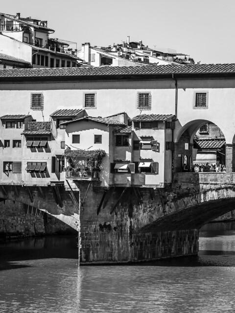 Italy - Firenze - Ponte Vecchio & Arno River