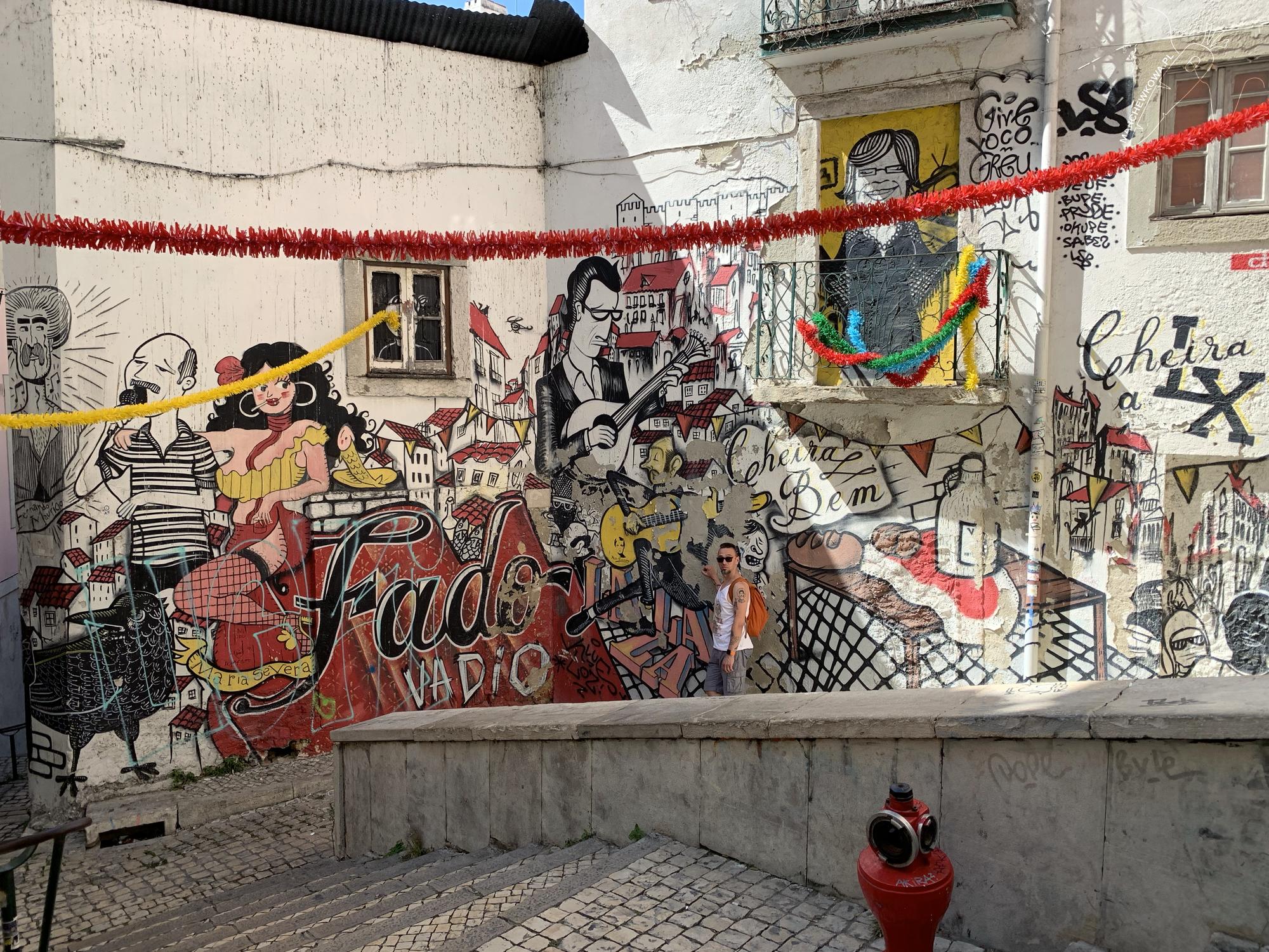 marchewkowa, blog, podróże, urlop, wakacje, Portugalia, Lizbona, Mouraria, fado, travel, Lisboa, Nuno Saraiva, fado, grafitti