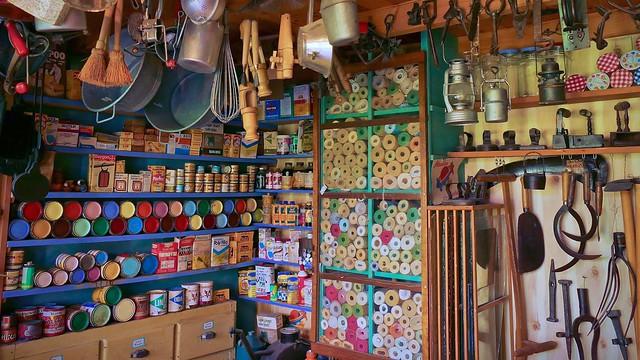 Anciens commerces: la droguerie-quincaillerie