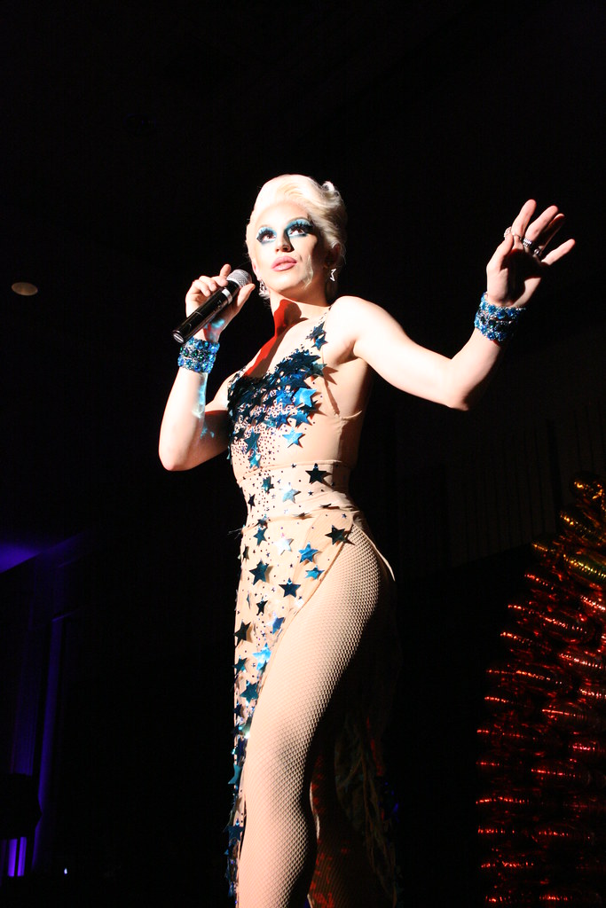 Who runs the world: Drag Queens!