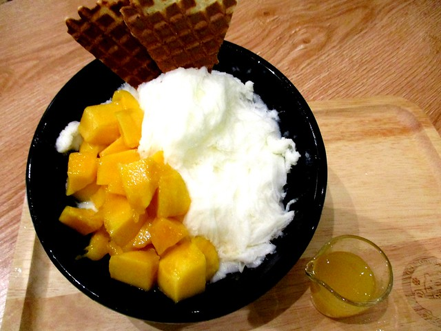 Mango milk snow ice 1