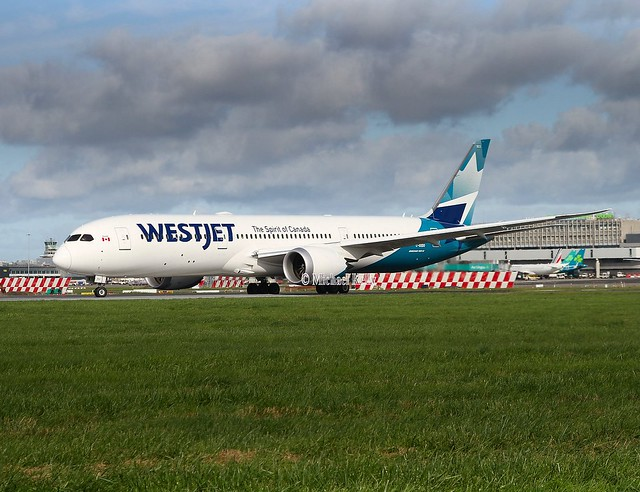 Westjet                                      Boeing 787                                    C-GUDO