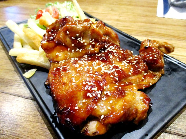 Caffefine Cafe yakitori chicken