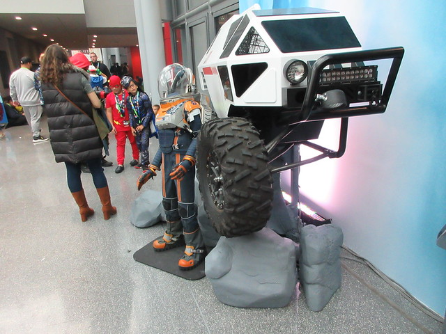 2019 Lost In Space Will Robinson's Empty Space Suit and Chariot 4761