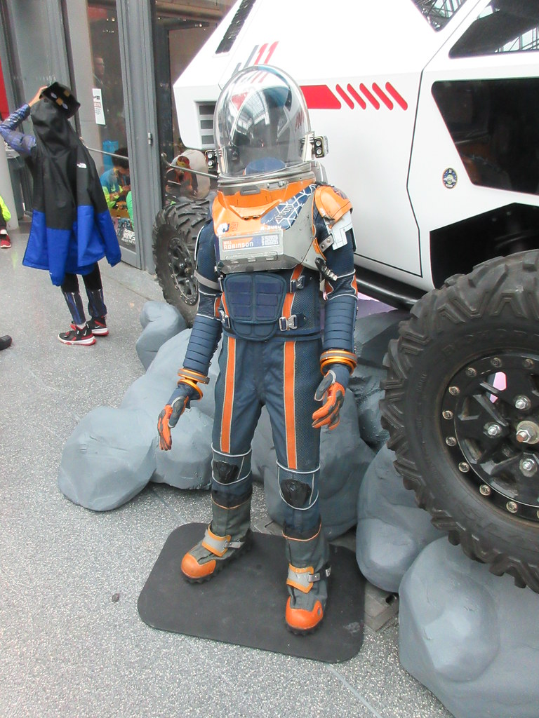 2019 Lost In Space Will Robinson S Empty Space Suit And Ch Flickr