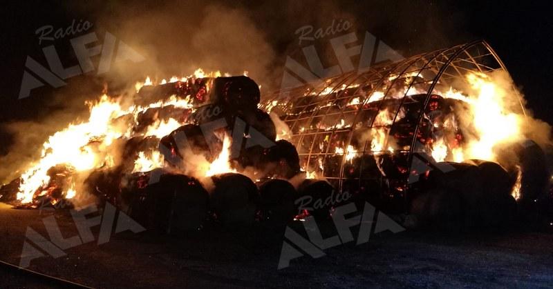 Incedio deposito di fieno a San Pietro al Tanagro (06 ottobre 2019)