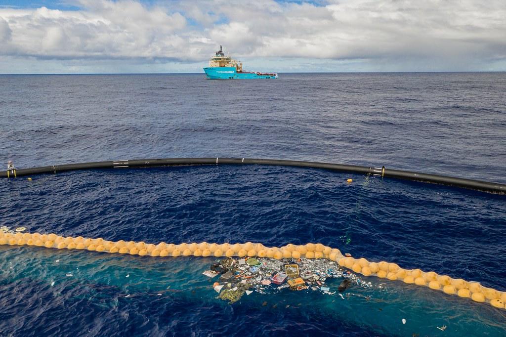 海洋吸塵器的概念在2019年10月通過考驗。照片提供:The Ocean Cleanup