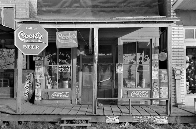 Call for Beer: Storefront in Altheimer, Arkansas, October 1938.