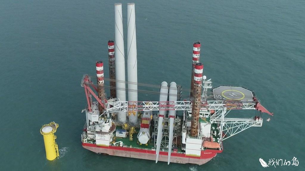 保育團體發現海洋竹南風電場在6月21日打樁過程,未按照環評承諾,配置足夠的鯨豚觀察船。